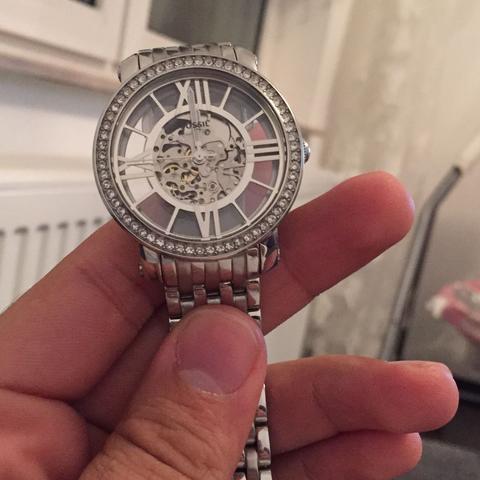 Das ist die Uhr im bild - (Uhr, Fossil, Mechanisch)