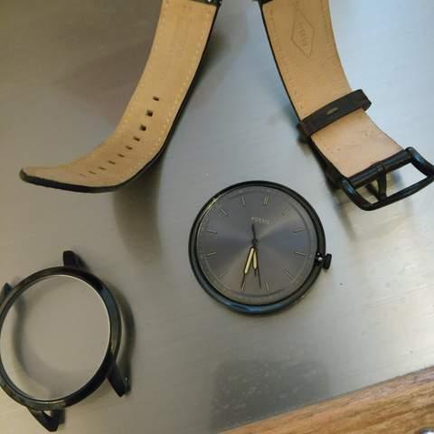 - (Reparatur, Uhr, Armbanduhr)