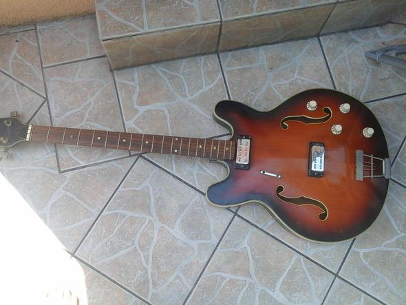 aaa - (Gitarre, gitarrenkenner)