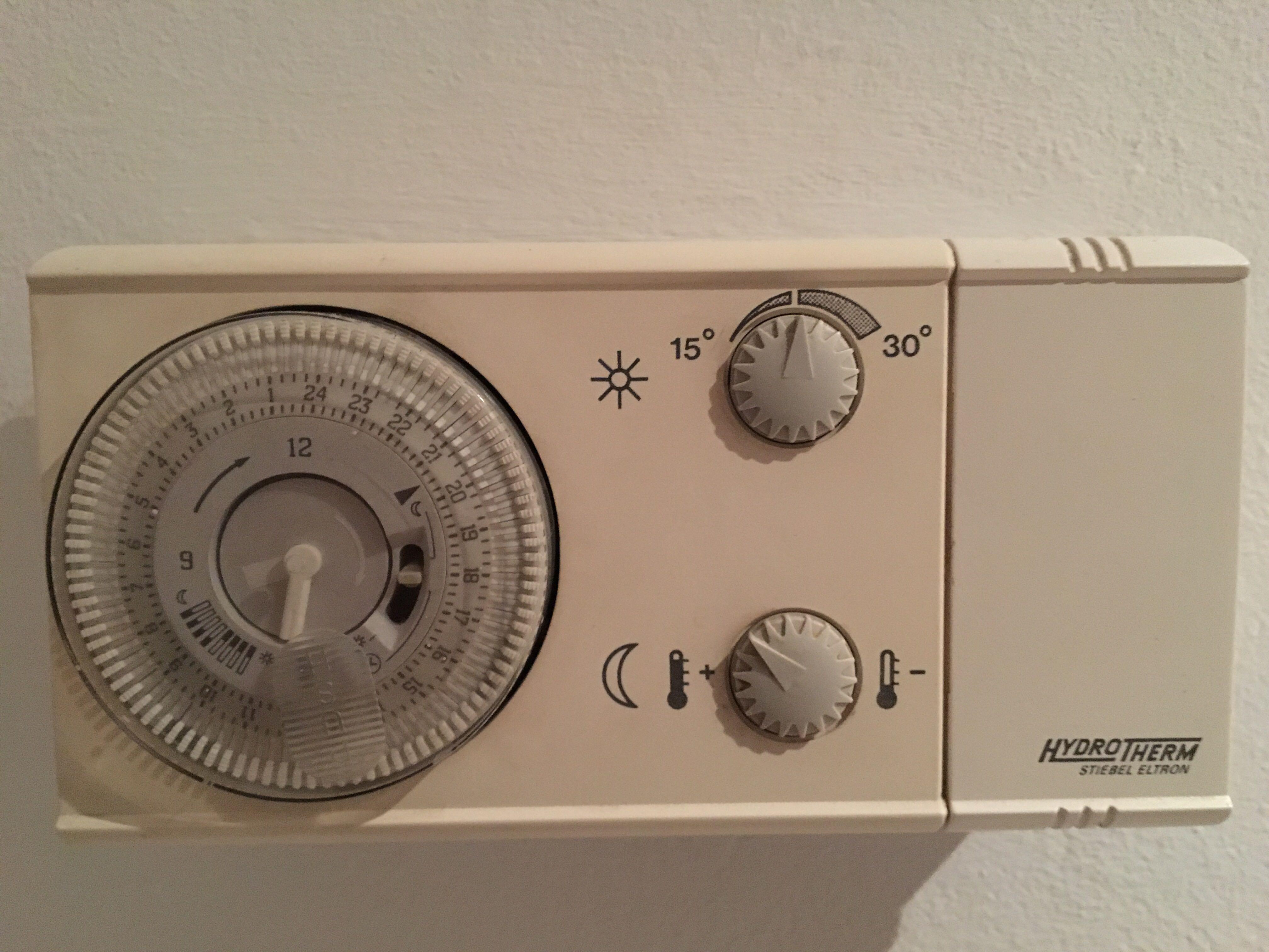 frage zu gasheizung wie l uft die bedienung ab heizung gas. Black Bedroom Furniture Sets. Home Design Ideas