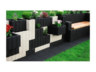 frage zur hangsicherung gartenbau. Black Bedroom Furniture Sets. Home Design Ideas