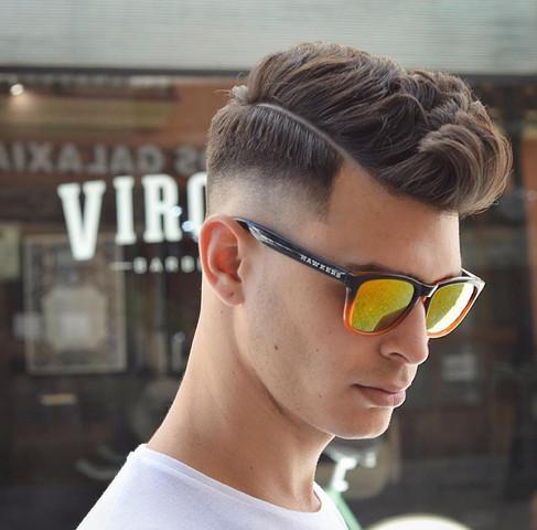 Friseur Bild Zeigen Haare
