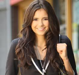frisur wie nina dobrev wie bekomm ich 39 s hin haare. Black Bedroom Furniture Sets. Home Design Ideas