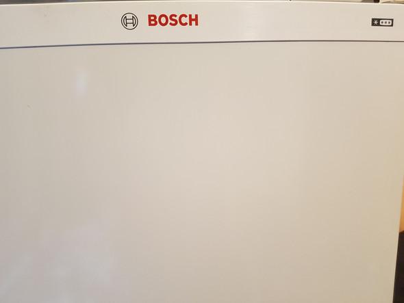 Bosch Kühlschrank Kühlt Nicht : Bosch kühlschrank mit tiefkühlteil kühlt nicht mehr u elektronik