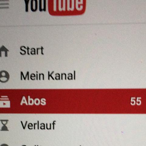 Hier, die Zahl hinter 'Abos' meine ich;)  - (Youtube, Zahlen, Abo)