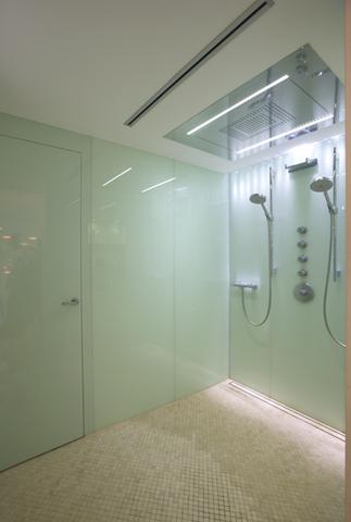 fussbodenheizung im badezimmer dusche. Black Bedroom Furniture Sets. Home Design Ideas