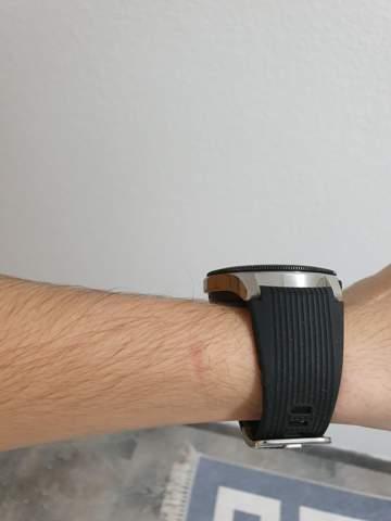 - (Computer, Samsung, smartwatch)