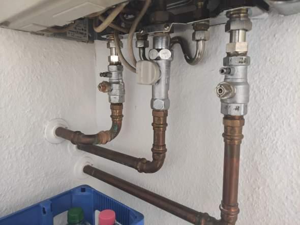 Gas-Kesseltherme Junkers ZSR 5/11-5 mit Wasser befüllen, aber wie?