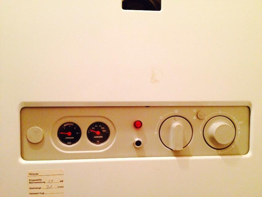 gasflamme manuell z nden probleme mit dem durchlauferhitzer mietrecht gas warmwasser. Black Bedroom Furniture Sets. Home Design Ideas