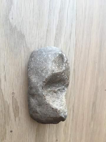 Gefunden: ist das ein Steinzeit Faustkeil o. Geröllgerät? was tun?