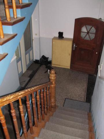 geh rt der vorraum zum treppenhaus zu den brandschutzbestimmungen f r treppenh user. Black Bedroom Furniture Sets. Home Design Ideas