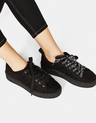 Geht Diese Hose Oberteil Und Die Schuhe Für Ein Probe