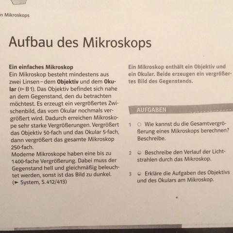 Gesamtvergrößerung eines Mikroskops berechnen? (Biologie, Mikroskop)