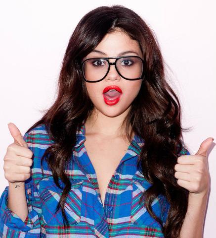 Selena Gomez :) - (Haare, Stars, Wellen)