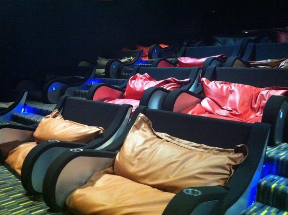 gibt es auch bei uns solche p rchen kinos bild oder andere p rchen ideen kino partner. Black Bedroom Furniture Sets. Home Design Ideas