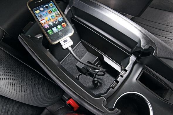 Ist von VW  , leider nicht von Mercedes - (iPhone, adapterkabel, Mercedes clk320)