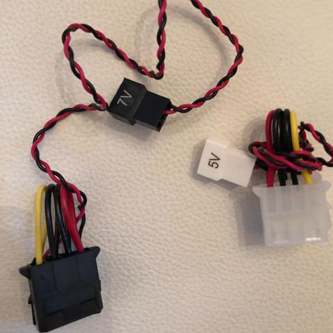 Gibt es unterschiedliche Molex Stecker? (Computer, PC, Technik)