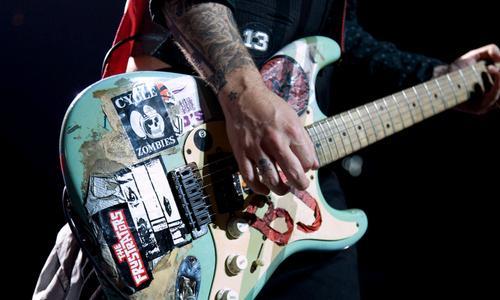 Hier ist das Gute stück - (Gitarre, Green Day, fender)