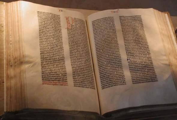 Glauben Christen wirklich nicht an die Bibel?
