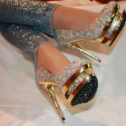 glitzerjeans und pumps gesucht jeans high heels glitzer. Black Bedroom Furniture Sets. Home Design Ideas