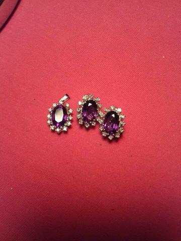 Gold Ohrringe, was sind die Steine Wert, denke sie haben pro Stk 0,54 Karat, deshalb auch der Stempel 054 585(Gold), habe garkeine Ahnung Hilfe?