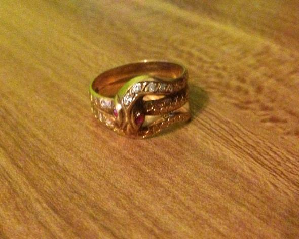 Ring - (Schmuck, Wert, Gold)