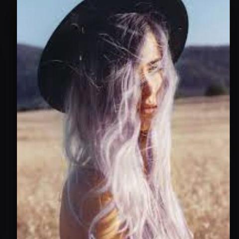 wie findet ihr grau gefärbte haare bei einer 16 jährigen