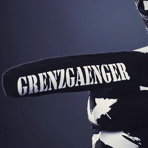 grenzgaenger handschuhe querly grenzg nger. Black Bedroom Furniture Sets. Home Design Ideas