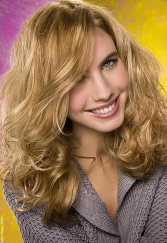 Dauerwelle lange blonde haare