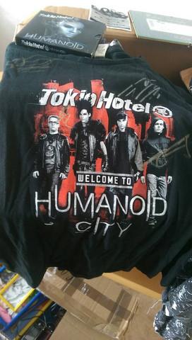 Das signierte T-Shirt - (Sammler, Tokio Hotel)