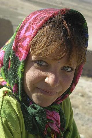 Mädchen vom Volk der Nuristani - (Türkei, Augenfarbe, Iran)