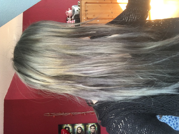 Oben und in den Spitzen  - (Haare, Friseur, färben)