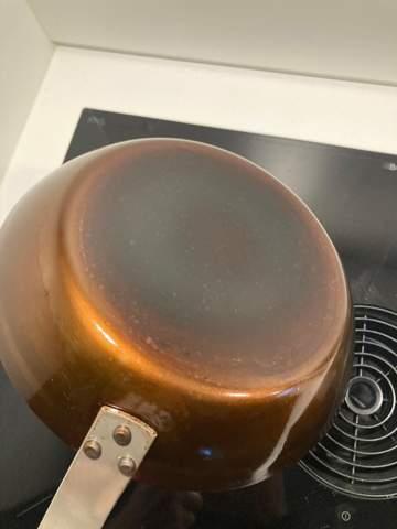 Gusseisenpfanne falsch eingebrannt?