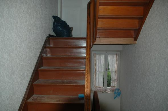 Treppe über 2 stockwerke. Soll auf jeden Fall weiss werden.  - (Haus, Handwerk, heimwerken)