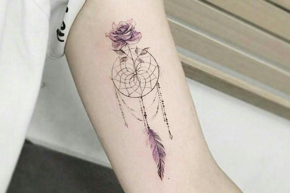 - (Tattoo, Tattoowierer)