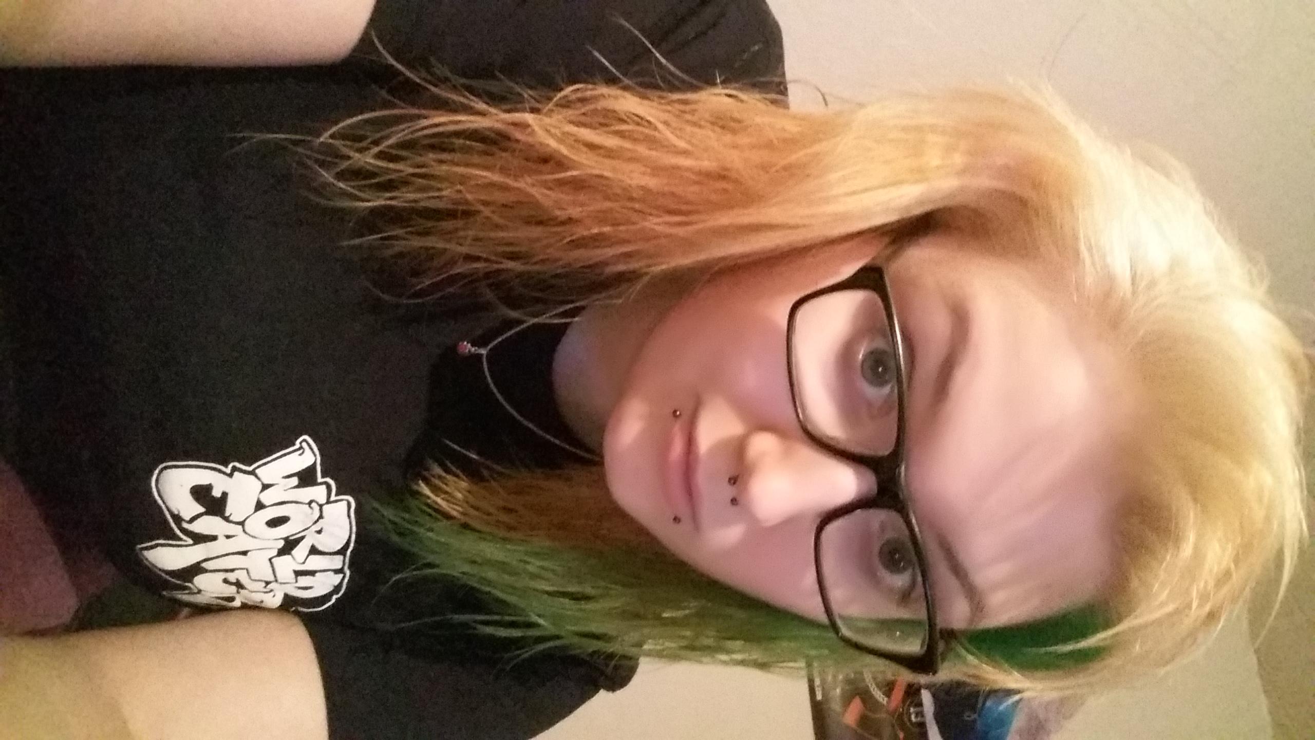 Grune haare nach blondieren