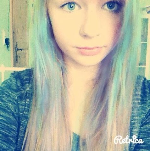 Blaue haare wieder blond farben