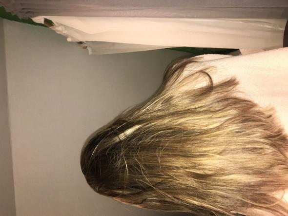 Schwarze haare blondieren mit olaplex