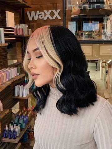 Haircolor? (Blond hair, black strand)?