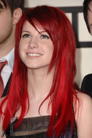 Haare von schwarz auf rot farben