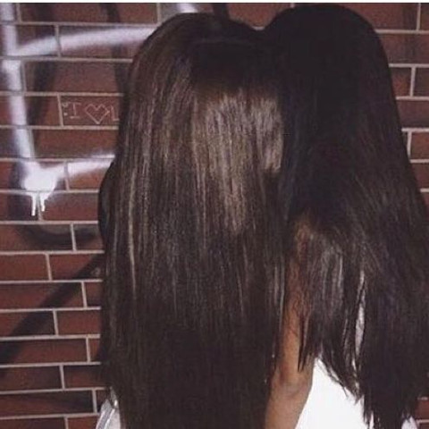 Oder so wie die linke  - (Haare, Farbe, färben)