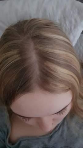 Haare mit Strähnchen übertönen/färben?