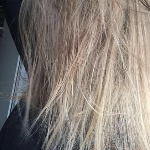Blondierte haare nehmen keine farbe mehr an