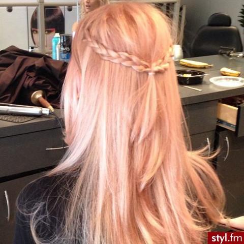 Beispiel 2 - (Haare, Friseur, färben)