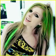haare str hnchen wie avril lavigne machen gr n. Black Bedroom Furniture Sets. Home Design Ideas