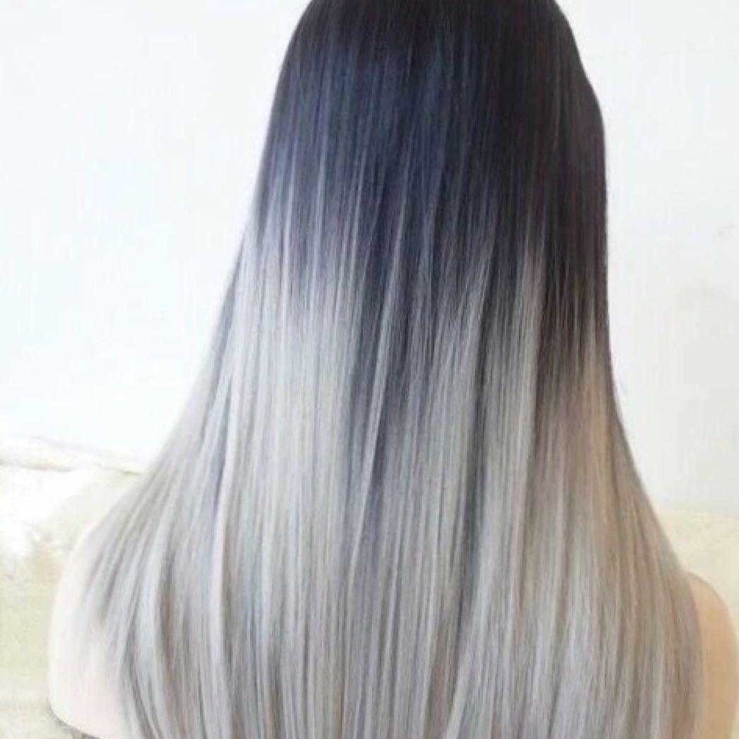 Haare Von Dunkelbraun Auf Grau Silber Braun