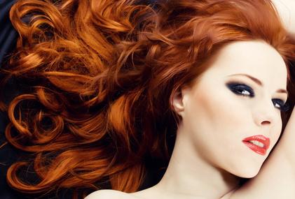 Haare von Rot auf Orangebraun