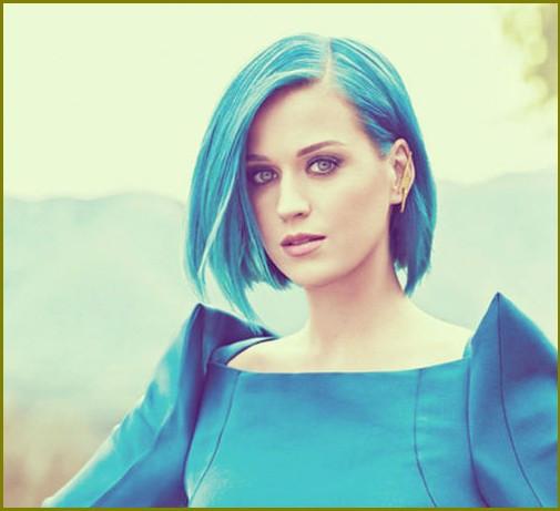 Haare Von Schwarz In Blau Färben
