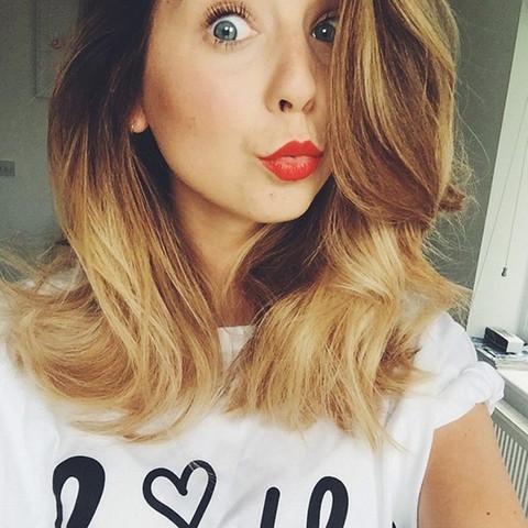 22 - (Haare, Friseur, färben)
