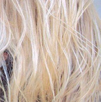 So ungefähr(ohne die strähnchen)  - (Haare, färben, blond)